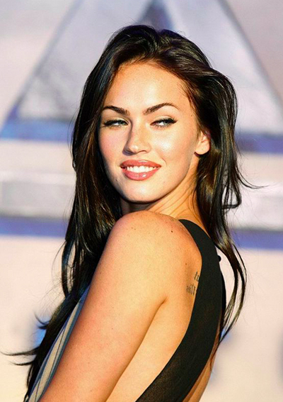 megan-fox-pose