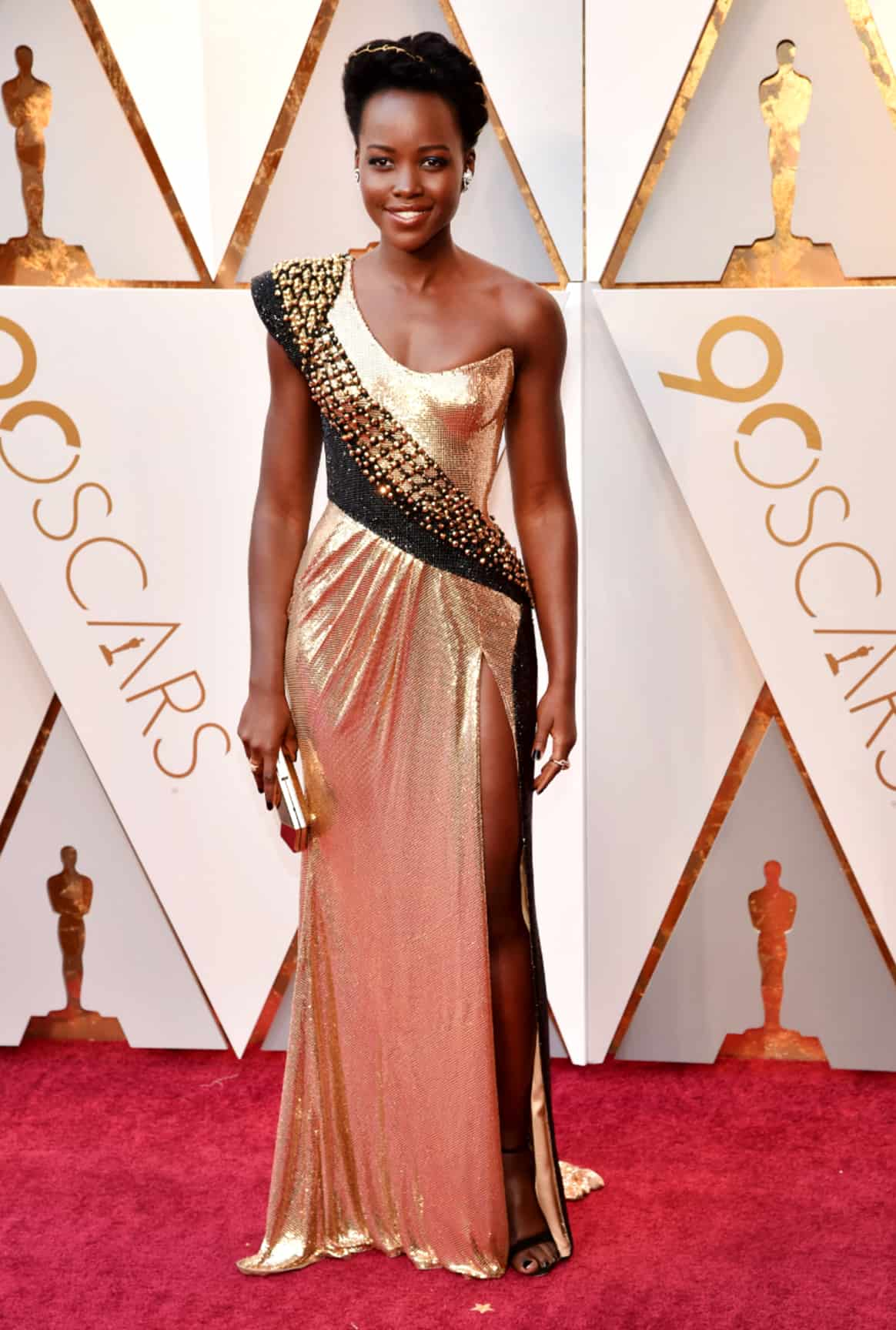 Lupita-Nyong-red-carpet-dress