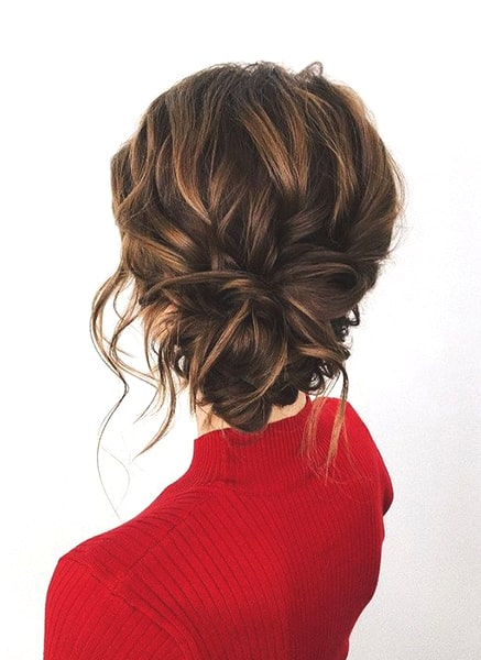 loose-messy-bun-hairstyle