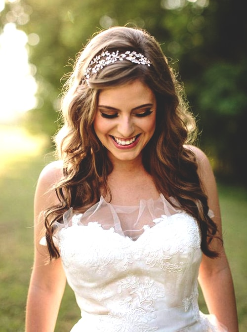 loose-curly-hairstyles-wedding