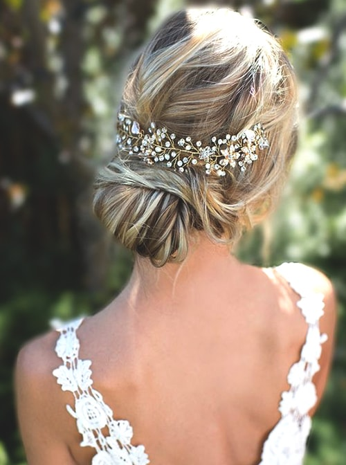 low-bun-wedding