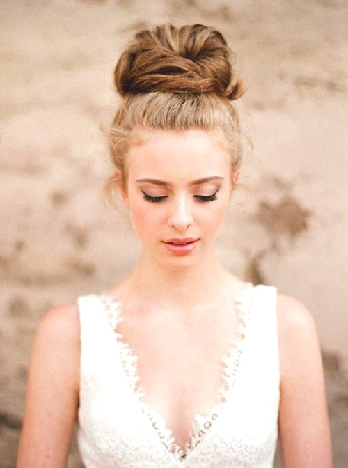 messy-updo-hairstyle
