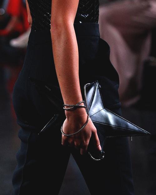 star-shaped-black-bag