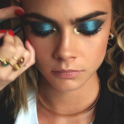metallic-blue-eye-makeup