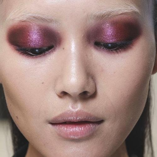 metallic-red-eye-shadow