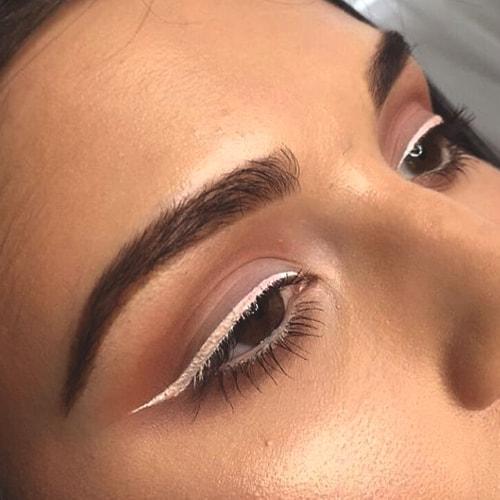 white-eyeliner