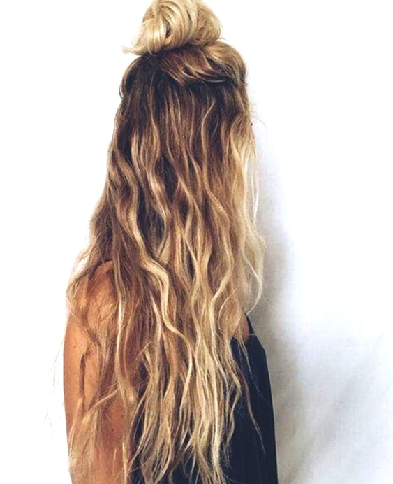 beach-waves-blonde-hair-min