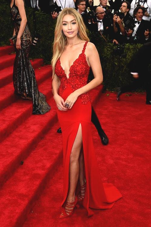 gigi-hadid-best-red-carpet-looks-min