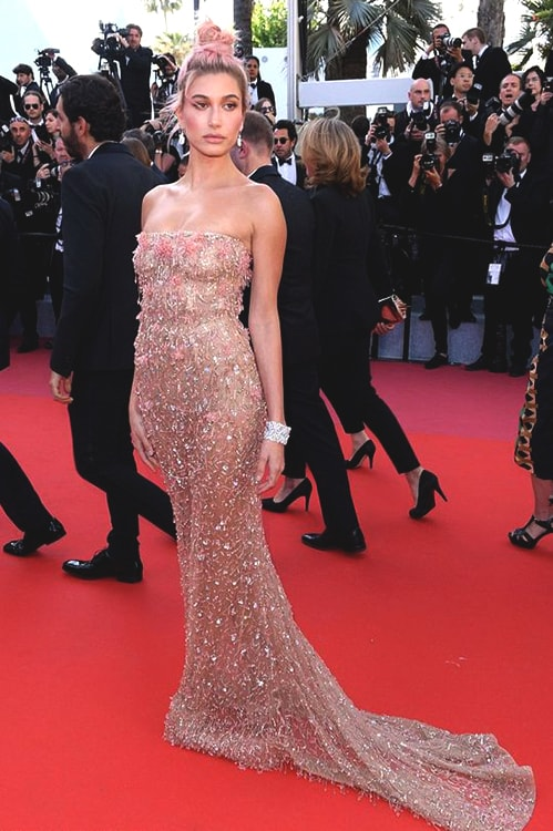 hailey-baldwin-cannes-gown-2018-min