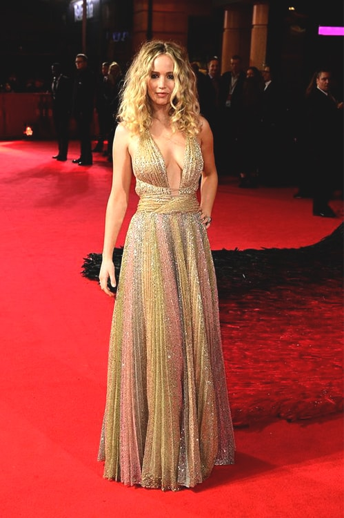 jennifer-lawrence-red-carpet-dress-min