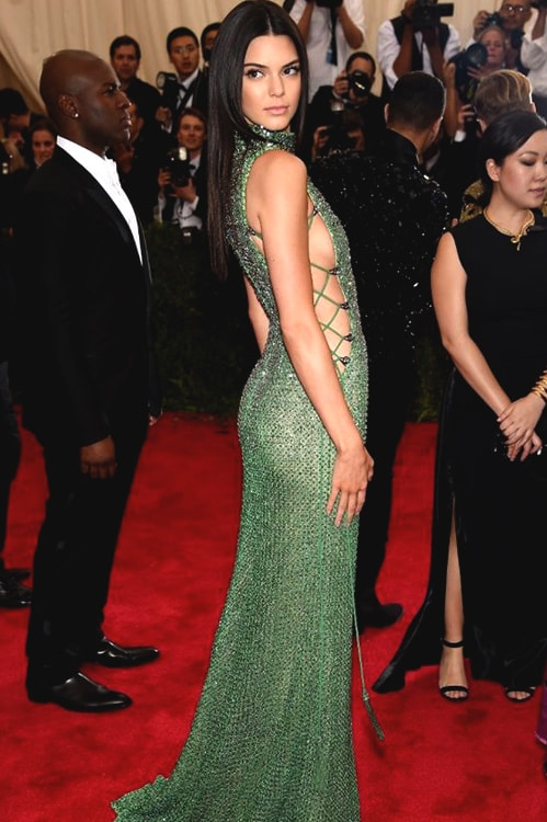 kendall-jenner-green-sequin-gown | Ecemella
