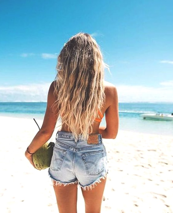 salty-beach-hair-trend-min