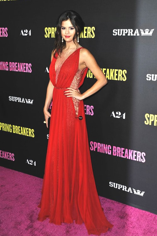 selena-gomez-red-gown-min