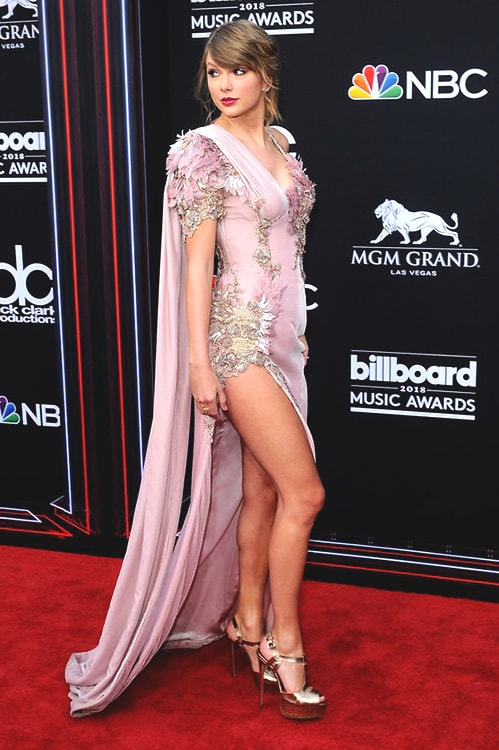 taylor-swift-billboard-music-awards-look-min