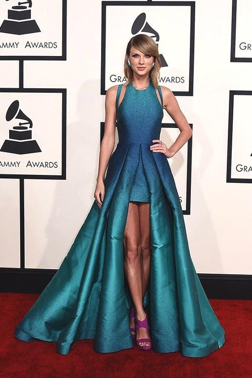 taylor-swift-blue-gown-2015-min