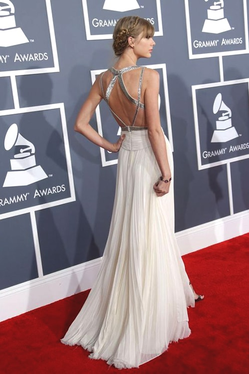 taylor-swift-grammy-2013-min