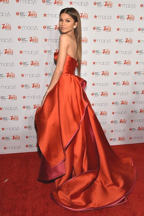 zendaya-red-carpet-look-min