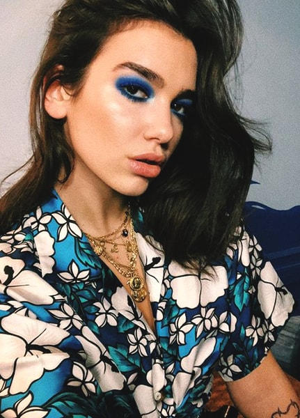 dua-lipa-colorful-makeup-look-min