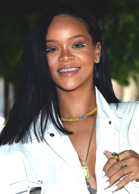 rihanna-makeup-look-paris-2018