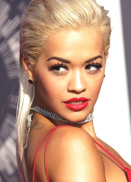 rita-ora-red-lipstick-shiny-makeup