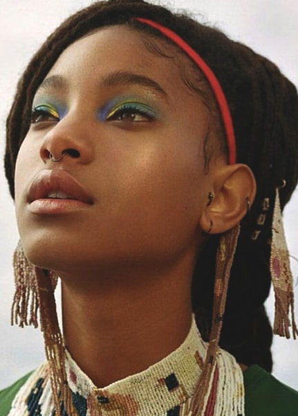 willow-smith-shiny-colorful-eye-makeup-min