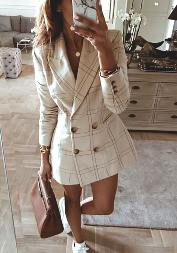 blazer-dress-trend-2018-fall-min