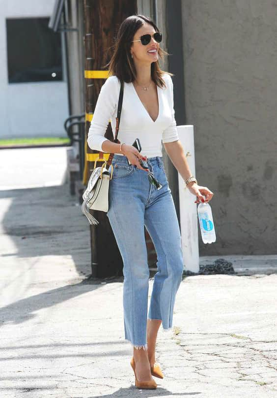 cropped-jeans-white-blouse-min
