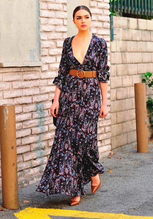 long-sleeved-maxi-dress-fall-fashion-min