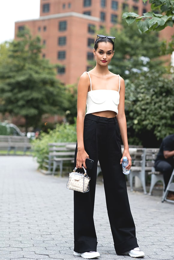 black-and-white-combination-street-style-from-nyfw-spring-2019-min