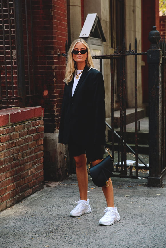 black-and-white-outfit-look-from-nyfw-spring-2019-street-styles-min