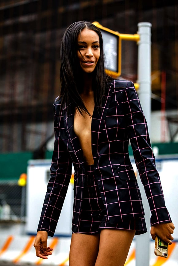 blazer-plaid-pattern-outfit-nyfw-spring-2019-min
