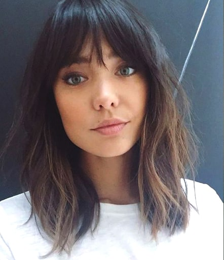 Curtain Bangs Brunette Hair Style Trend Min Ecemella