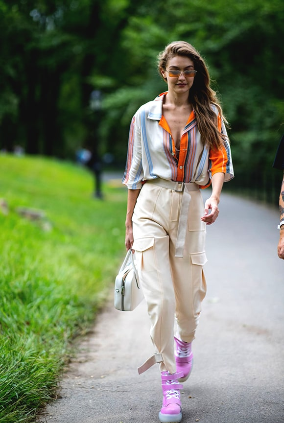 gigi-hadid-pink-boots-new-york-fashion-week-street-style-outfit-min