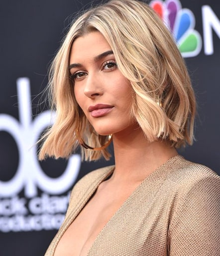 hailey-baldwin-wavy-bob-haircut-fall-trends-min