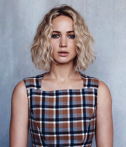 jennifer-lawrence-curly-bob-haircut-trend-fall-2018-min