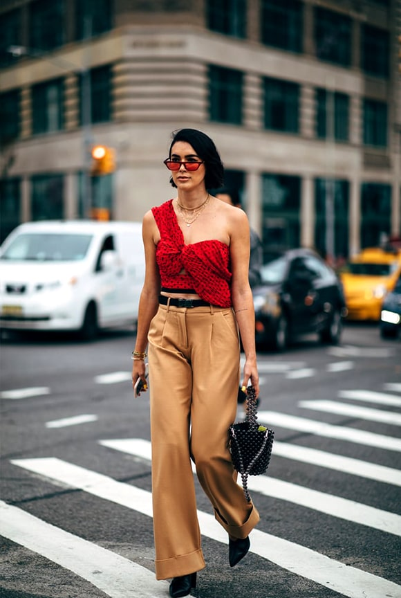 khaki-pant-red-top-outfit-street-style-nyfw-spring-2019-min