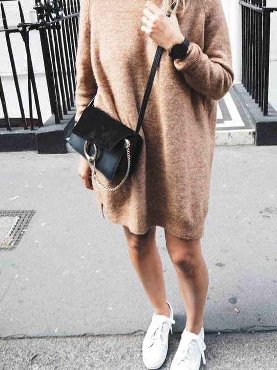 over-size-brown-sweater-for-fall-fashion-white-sneakers