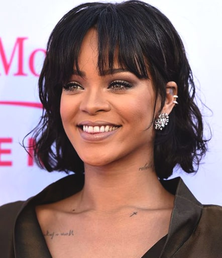 rihanna-curly-bob-with-bangs-bob-hairstyle-trend-fall-2018-min