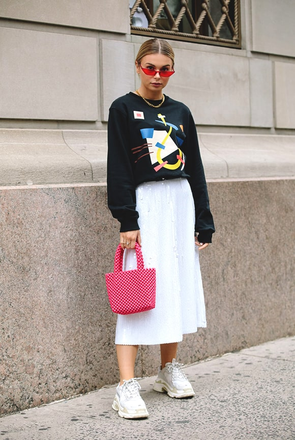 white-sneaker-long-white-skirt-outfit-nyfw-sprinf-2019-street-fashion-min
