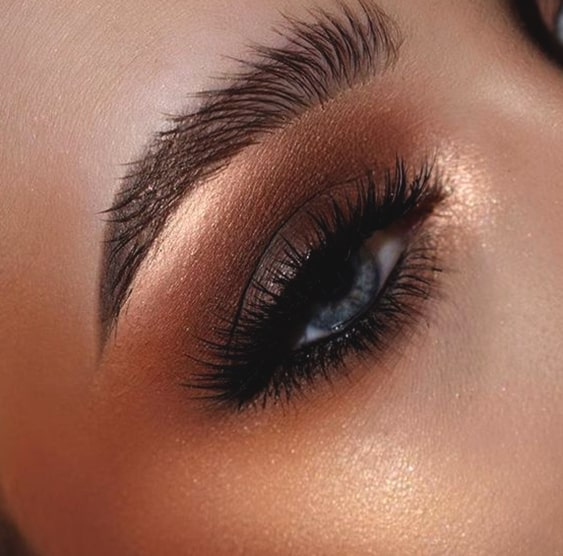 copper-smokey-eye-makeup-for-blue-eyes-min