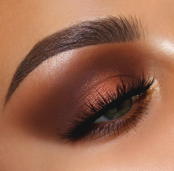 copper-smokey-eye-makeup-look-min