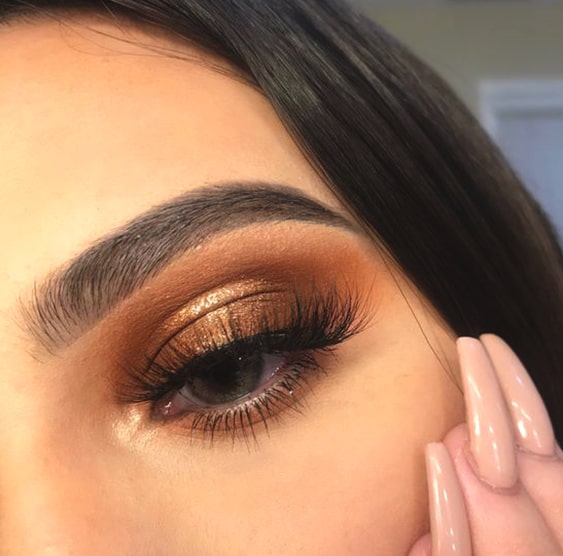 copper-smokey-eye-makeup-min