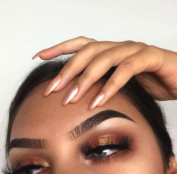 glittery-smokey-eye-makeup-look-eyeliner