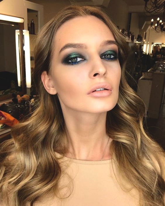 green-smoky-eyeshadow-makeup-min