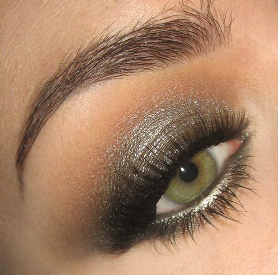metallic-gray-smokey-eye-makeup-ideas