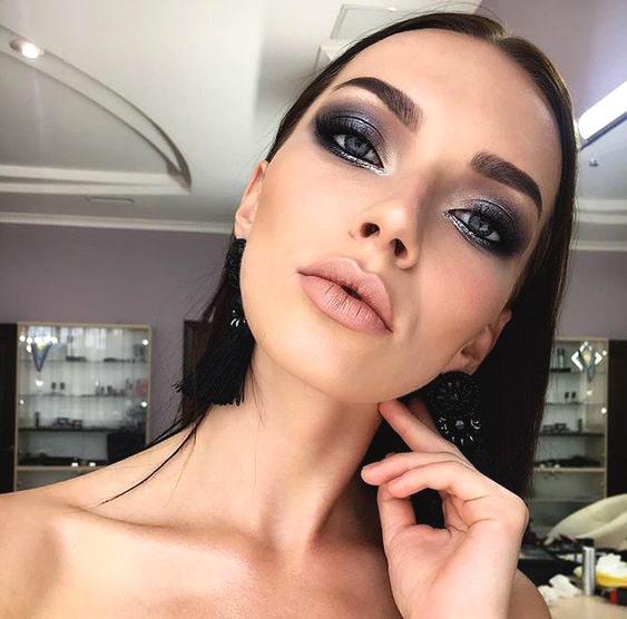 metallic-smokey-eye-makeup-look