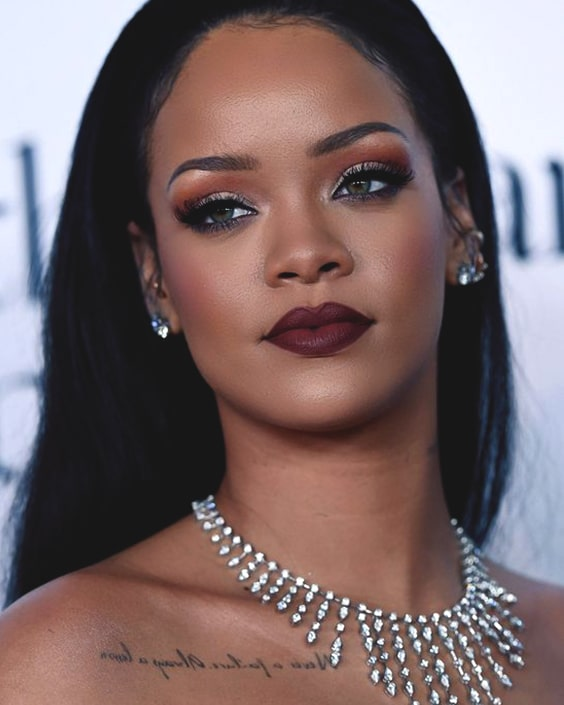 rihanna-smoky-eye-makeup-look
