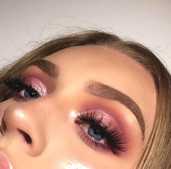 rose-gold-smokey-eye-makeup-look-2018-min