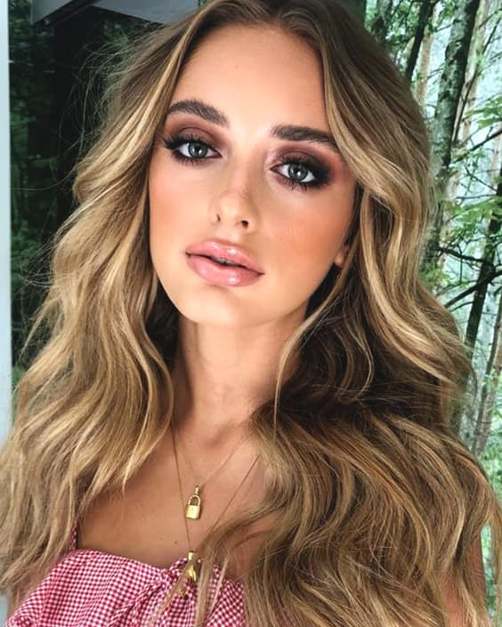 smokey-eye-makeup-tutorial-makeup-ideas-min