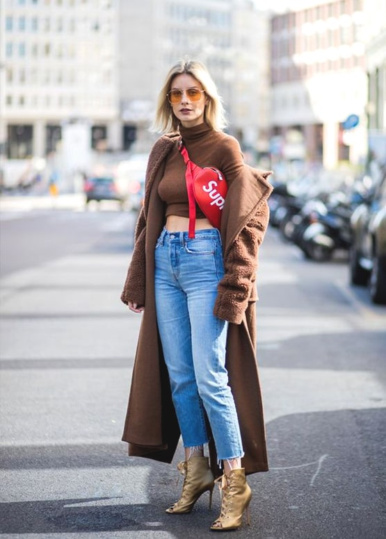 boyfriend-jeans-red-belt-bag-long-brown-coat-outfit